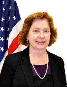 consolato americano napoli ufficio pensioni console generale elizabeth martinez ambasciata e