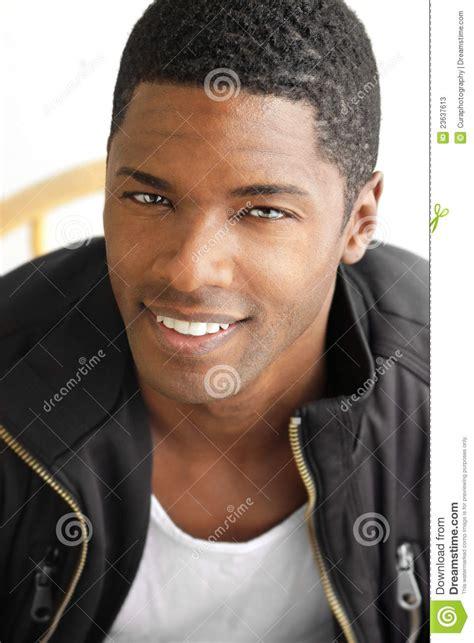 Imagenes Negro Hombre | hombre negro sonriente imagen de archivo imagen de