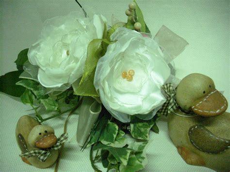 realizzare fiori di tessuto come realizzare dei fiori di stoffa senza cuciture