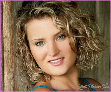 cuts for thin frizzy hair medium haircuts for thin curly hair latestfashiontips com