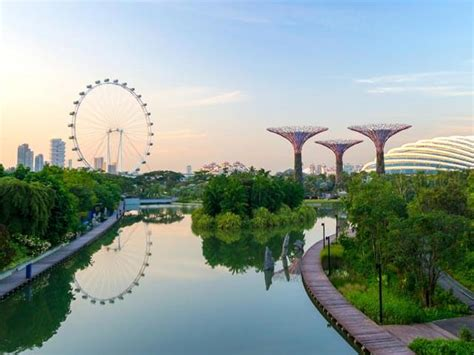 cheap flights to singapore from 163 38 book trips to singapore singapore with opodo