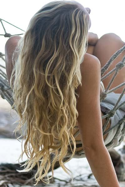 summer hairstyles long curly hair kimmy erin stylist fashion editor link love hot summer