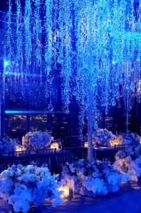 Winter Wedding Decoration - get inspired with these wonderful blue winter wedding decorations wedwebtalks