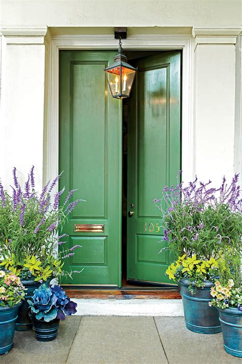 green front door 13 bold colors for your front door southern living