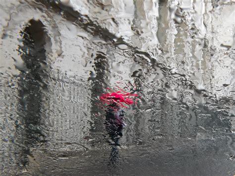 Sous La Pluie by Photo Parapluie Sous La Pluie