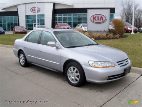 2002 honda accord se sedan in satin silver metallic photo