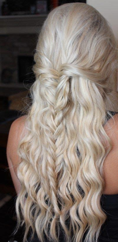 Homecoming Hairstyles by 25 Best Ideas About Prom Hair On Grad