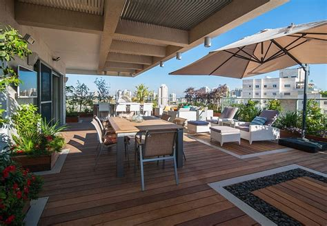 Renovated Israeli Penthouse With Lavish Balcony Space