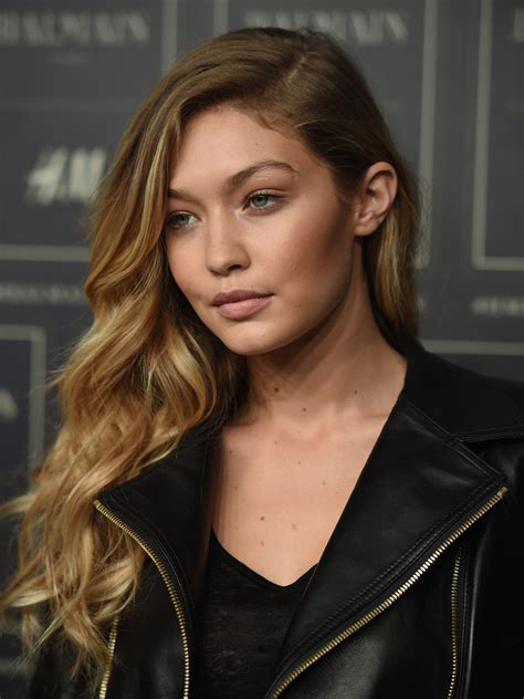 gigi hadid hairstyles gigi hadid long wavy cut long hairstyles lookbook