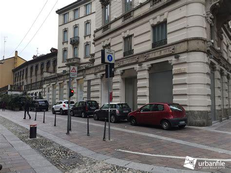 parcheggio porta venezia porta venezia via spallanzani e le auto in