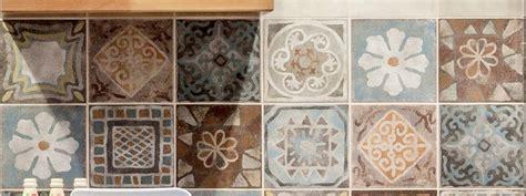 piastrelle decorate per cucina scegliere le piastrelle per le pareti della cucina cose