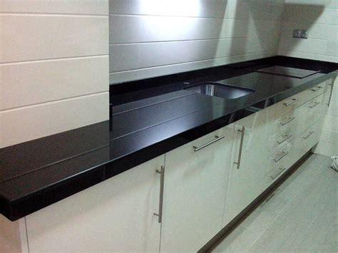 encimera granito negro encimeras de cocina m 225 rmoles y granitos mart 237 n