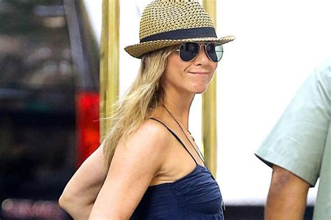 Sued Aniston Photo by Aniston Is Sued For Failing To Pay Contractors