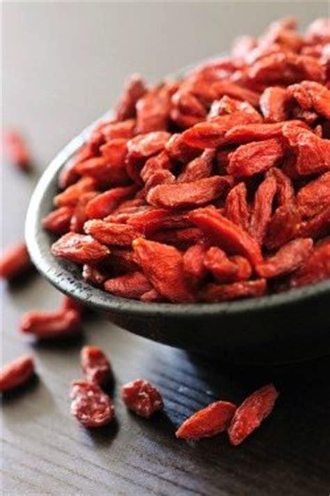goji berries  ultimate superfood healthy smoothie hq