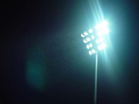 light s file stadium lights jpg wikimedia commons