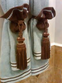 Bathroom Towel Folding Ideas by 1000 Ideas About Towel Display On Pinterest Decorative