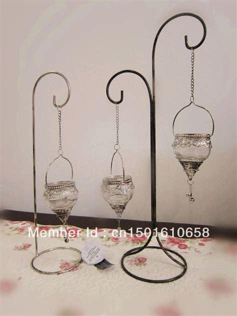 candeleros o candelabros las 25 mejores ideas sobre candelabros de hierro forjado