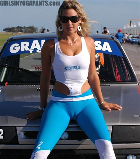 FRIDAY FRONTAL: CAMEL TOE : Girls In Yoga Pants