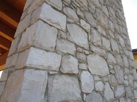camini in sasso camini in sasso amazing zona living con parete in pietra