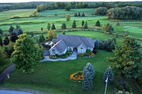 luxury bungalow with backyard golf course toronto