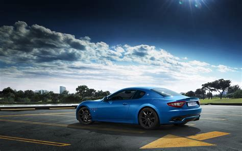 maserati blue 2014 maserati granturismo sport blue wallpaper hd car