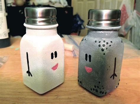how to go from salt and pepper to all white hair diy mr salt and mrs pepper shakers hey hey heather k