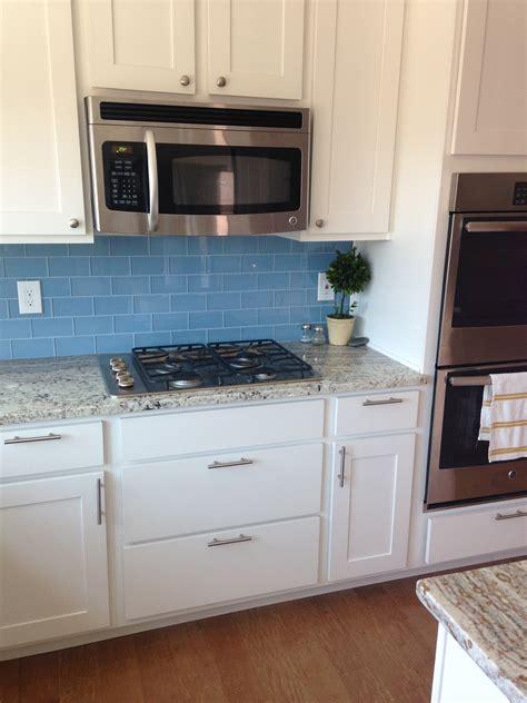 white glass backsplash tiles roselawnlutheran home design 85 interesting backsplash for white kitchens