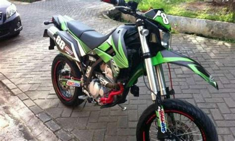 Kawasaki Dtracker 250cc Tahun 2015 motor trail kawasaki d tracker 250cc injeksi jual motor