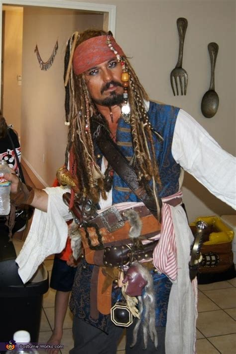 captain jack sparrow halloween costume contest