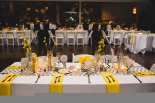Ides de decoration de table jaune mariageoriginal