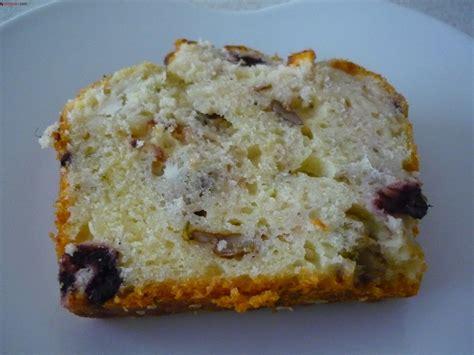 peynirli kek tuzlu kek tarifi mutfak srlar zeytin ve peynirli tuzlu kek tarifi yemekev com
