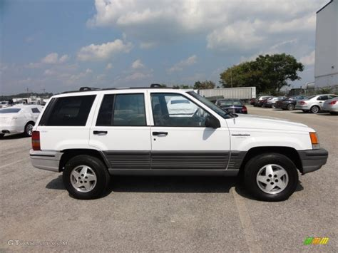 jeep grand cherokee laredo white stone white 1995 jeep grand cherokee laredo 4x4 exterior
