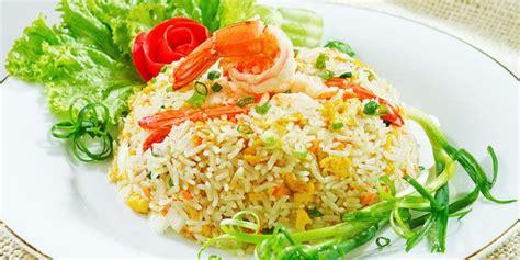 nasi goreng udang jagung manis penyajian makanan resep