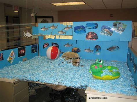 poisson d avril bureau poisson d avril 60 blagues de bureau pour le 1er avril