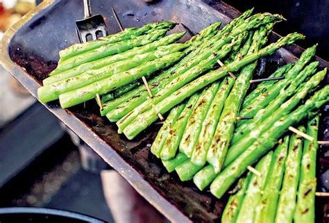how to grill asparagus leite s culinaria