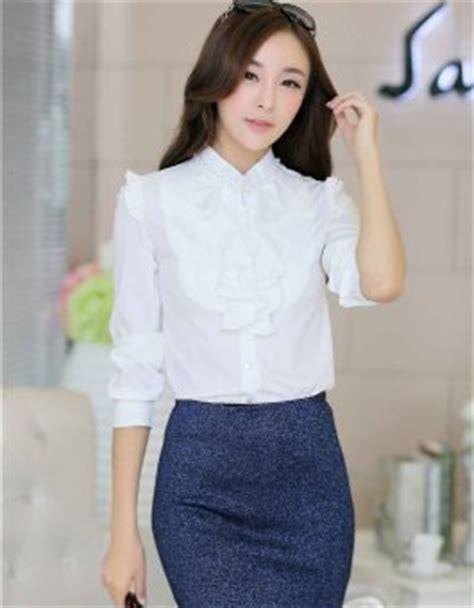 Kemeja Putih Hem Bunga Bordir Polos Shirt Blouse Unik Model Terbaru baju kemeja wanita putih panjang daftar update harga