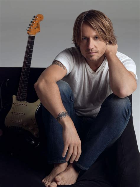 singer keith urban famous male feet keith urban