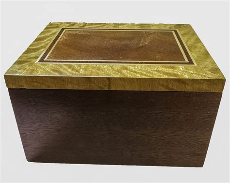 Handmade Keepsake Boxes - keepsake box mahogany with satinwood cross band