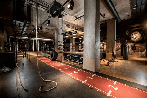 luxury gyms health clubs  london health