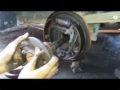 cara bongkar pasang seal roda belakang bering mobil