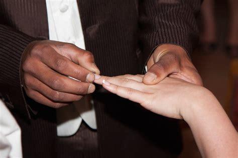 permesso di soggiorno per matrimonio scoperti nel salernitano falsi matrimoni per permesso di