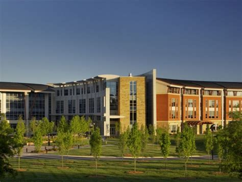 lowes corporate headquarters