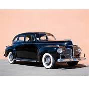 Dodge Custom Town Luxury Liner Sedan D19 1941