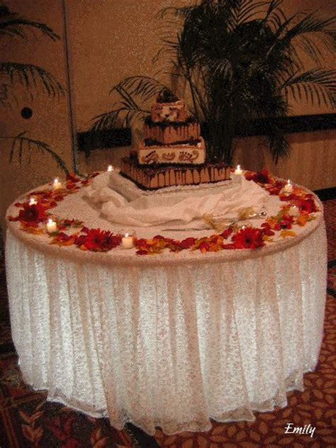Cake Table Decoration Ideas by Five Best Wedding Cake Decoration Ideas Herohymab