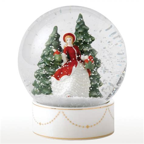 winters day snow globe hn5521 royal doulton figurine