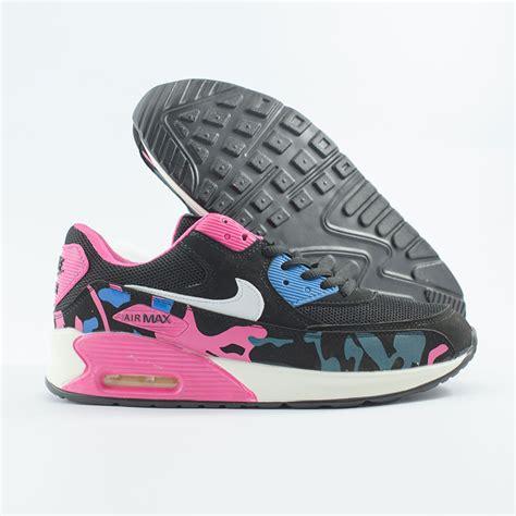 Sepatu Wanita Nike Running Lovely Hitam Putih jual sepatu nike airmax 90 army hitam putih bakul