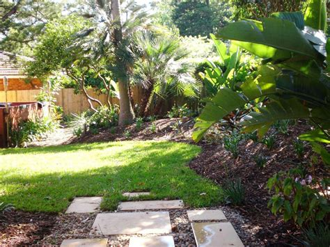 backyard landscaping ideas small simple backyard ideas on a budget best house design