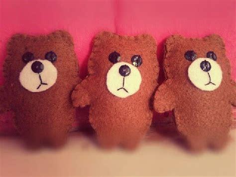 Boneka Gantungan Brown Line S warung murah meriah souvenir gantungan kunci boneka brown