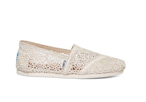 how comfortable are toms toms wedding shoes the comfortable flat for every bride