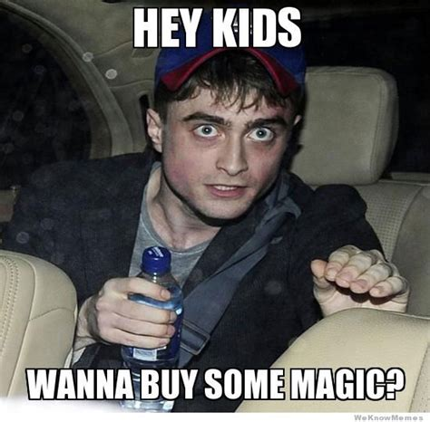 Daniel Radcliffe Meme - daniel radcliffe harry potter magic meme